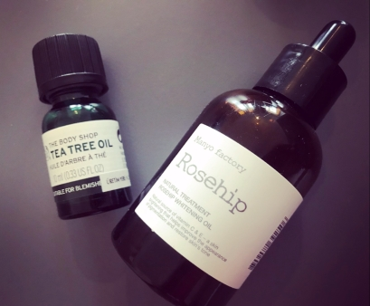 Brightening oils